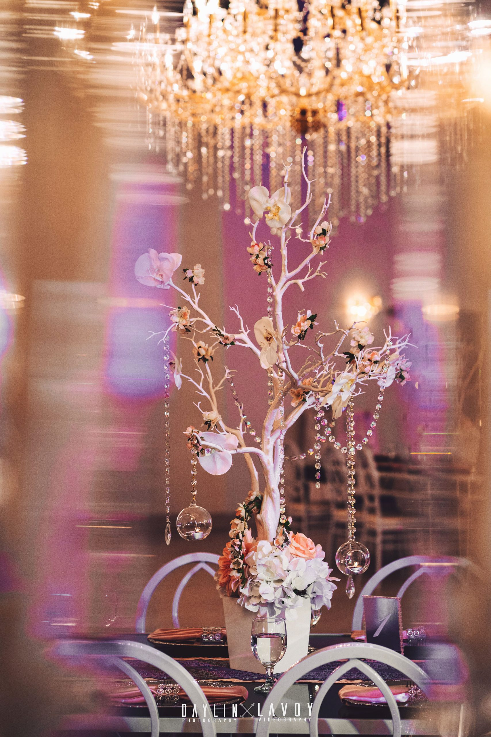 LeVenue table and dining decor