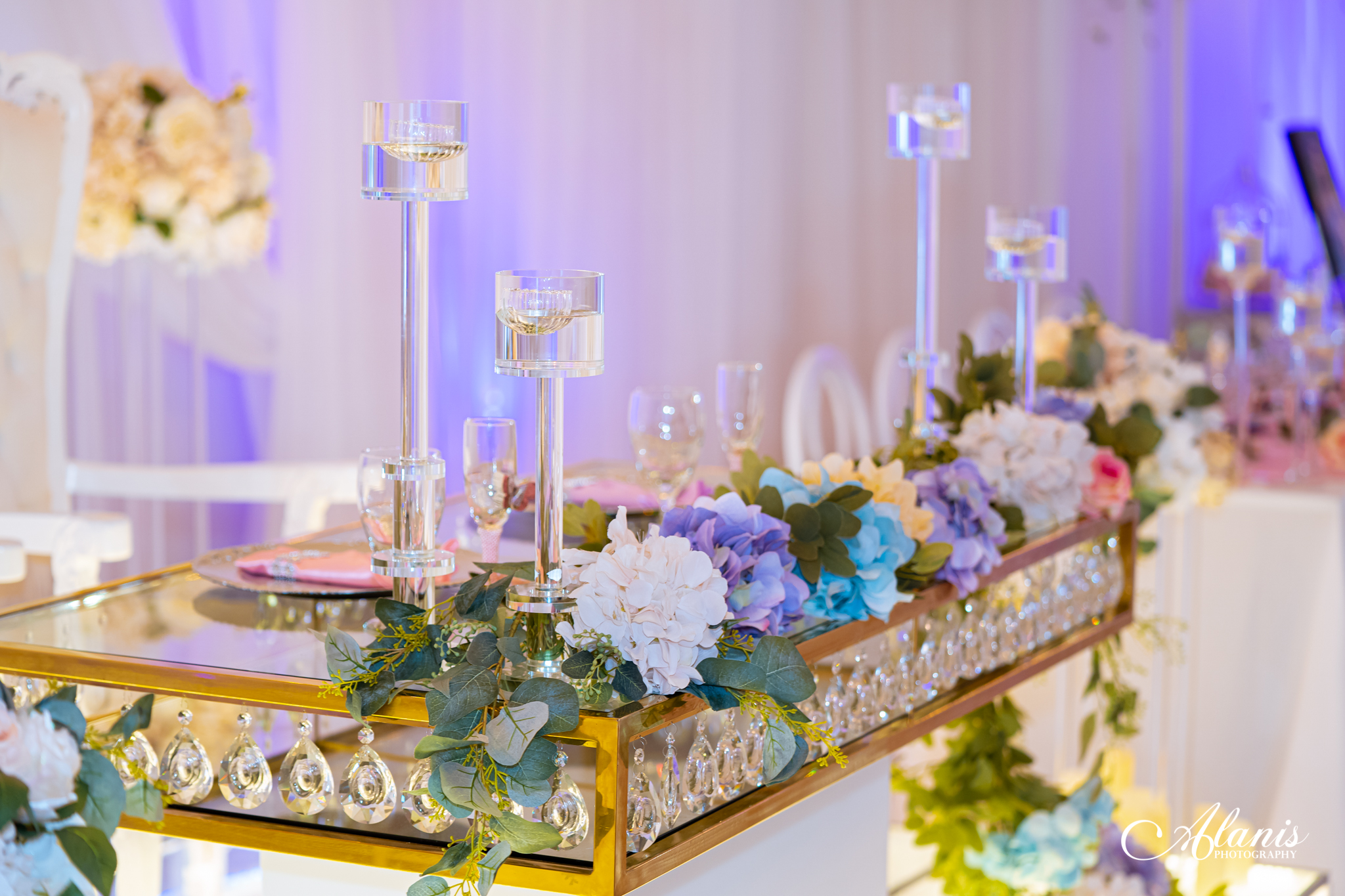 LeVenue front ballroom table and dining decor