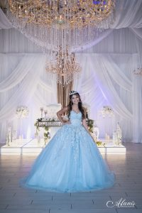 LeVenue Quinceañera model